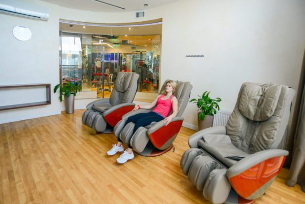 Relax zone with massage chairs- Hotel NEMO, Photo № 2