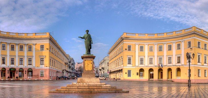 Памятник Дюку - odessa.nemohotels