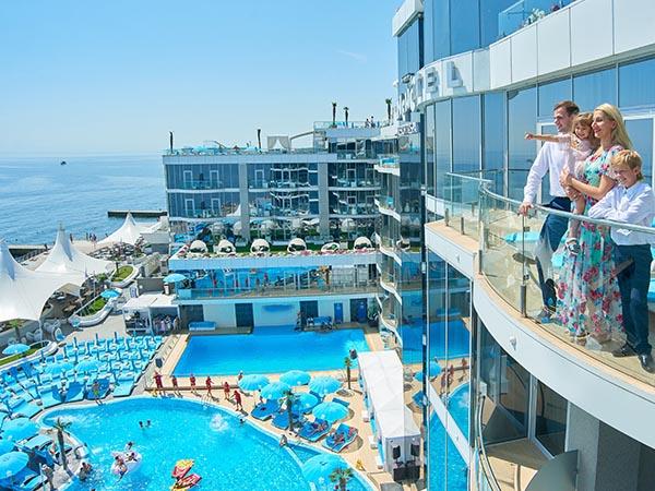 Glückliche Familie - NEMO Resort & SPA in Odessa, Foto № 7
